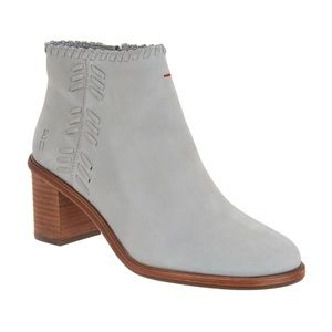 ✨ ED Ellen DeGeneres Leather Ankle Susumu Boots ✨